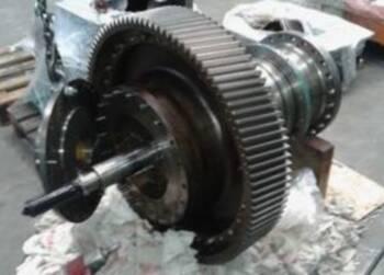 Revisie Mekanord gearbox op het Mv Dhamra